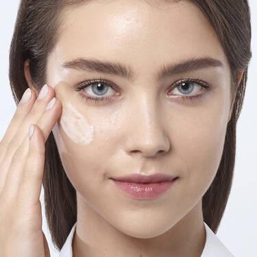 Visionnaire Advanced Skin Corrector Face Serum